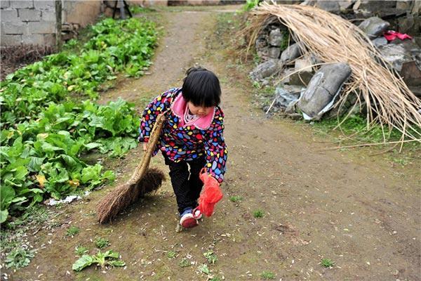 Le courage d'une petite orpheline de 7 ans
