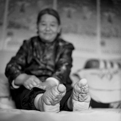 Femme chinoise aux pieds bandés