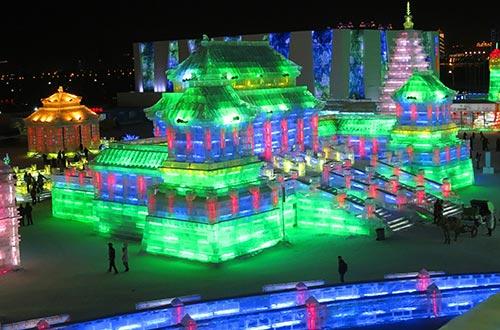 Sculpture de la Cité Interdite en glace à Harbin