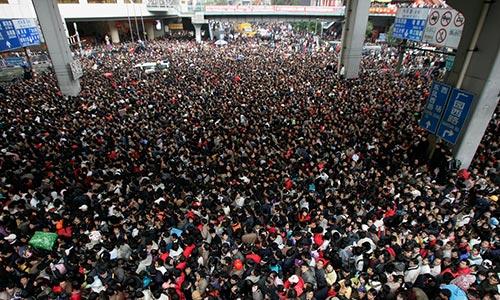 Passagers bloqués à la Gare de Canton